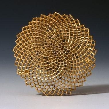 Circular brooch   18ct gold and enamel   Giovanni Corvaja, 2012