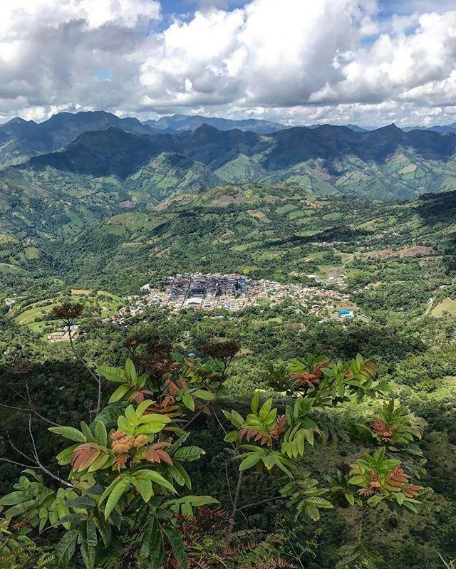 Muzo 🇨🇴 #emerald #emeralds #colombianemerald #colombianemeralds #natgeo #natgeotravel #natgeotravelpic #colombia #muzoemeralds