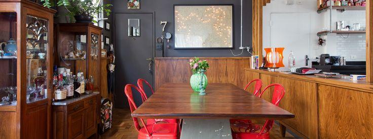 Apartamento descolado madeira preto cadeiras vermelhas Arkitito Arquitetura www.arkitito Mistura única | Capítulo 1 | Histórias de Casa
