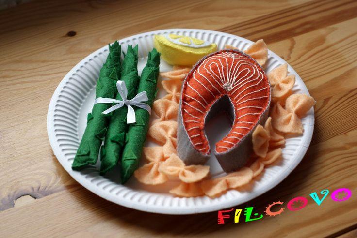 Filcowy łosoś z szparagami, cytryną i makaronem - Filcovo - Rękodzieło dla dzieci