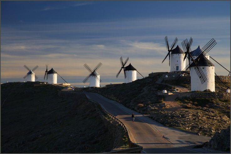 Ветряные мельницы в Кампо-де-Криптана, Ла-Манча, Испания