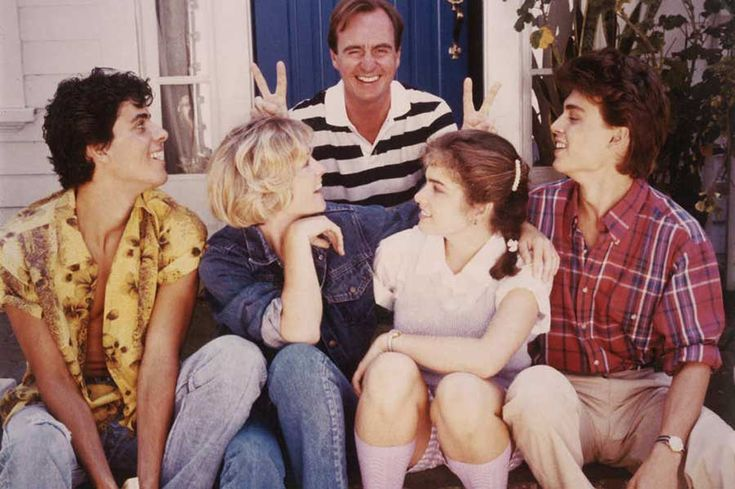 Director Wes Craven with Jsu Garcia, Amanda Wyss, Heather Langenkamp and Johnny Depp on the set of A Nightmare on Elm Street.  Rest in peace Wes.