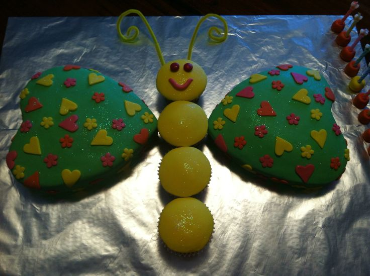 Butterfly cake with hearts & cupcakes #butterflycake