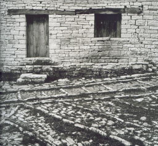 Konstantinidis - Houses of stone