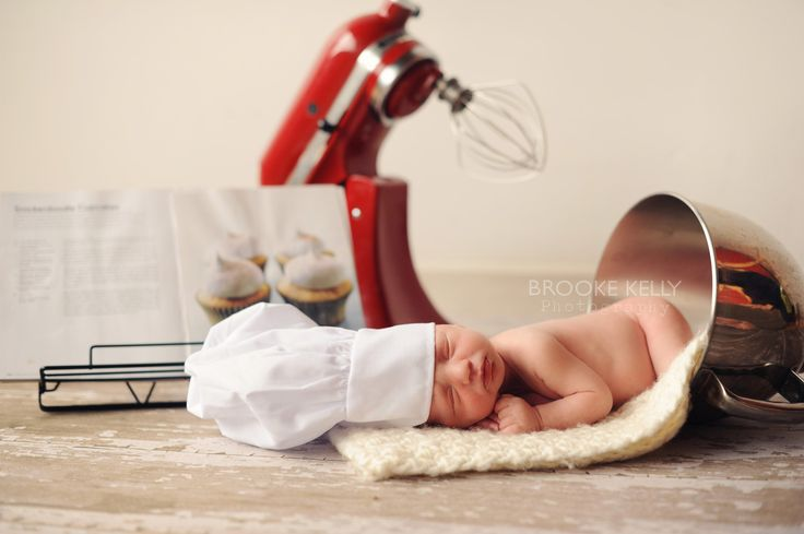 Newborn chef, newborn baker, newborn in mixer    Brooke Kelly Photography