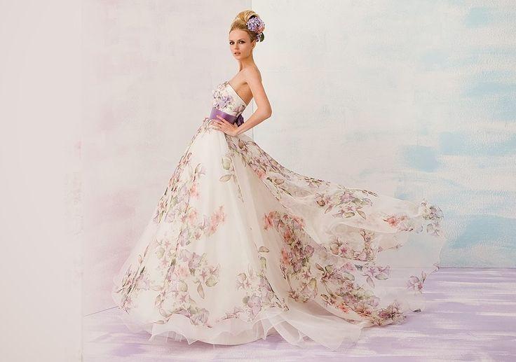 Abiti da sposa con stampe floreali