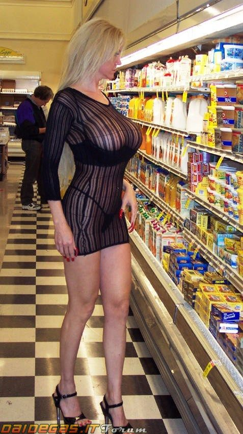Recommend Nude girls at the store