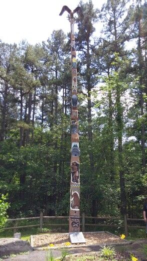 Totem Pole Fairfield Bay Arkansas