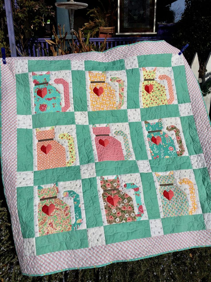 Lori Holt Barn Cat quilt/quilts for sale/Lori Holt pattern/Riley Blake fabric quilt/Farm Girl Vintage/gift for her/patchwork quilt/ by OldGalsGarage on Etsy