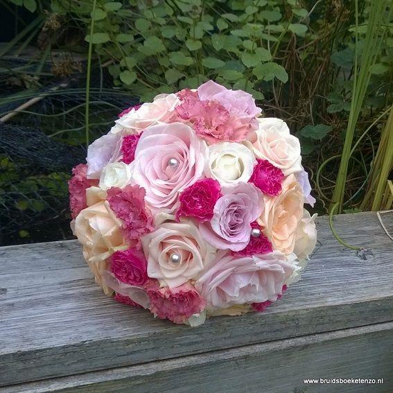 bruidsboeket biedermeier roze fuchsia perzik rozen eustoma