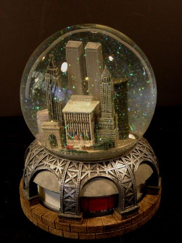 Bloomingdales New York Musical Snowglobe with Twin Towers in Original Box | eBay