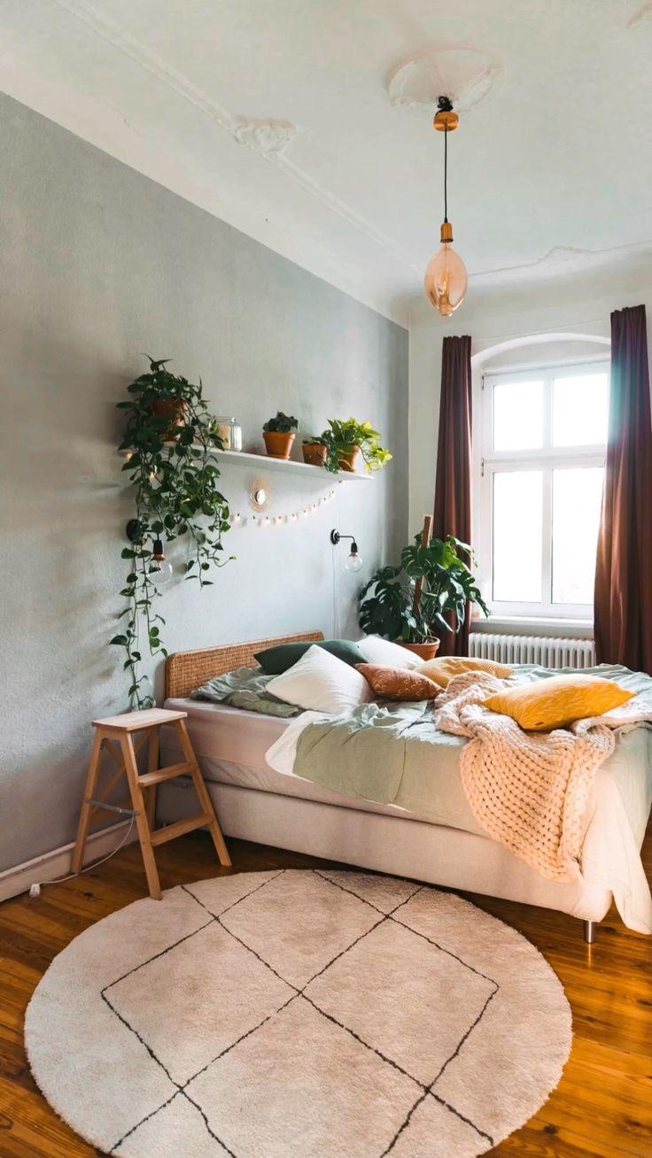 Neue Farbe, neues Glück – ein neues Schlafzimmer mit Fridlaa   – FRIDLAA – Interior, Einrichtung, Katze, DIY
