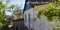 #Ялта #Продам: дом с участком 10 соток в 5 минутах от автовокзала в Ялте http://all-realty-krym.ru/o/prodazha/3-doma-i-kottedzhi/783-dom-s-uchastkom-10-sotok-v-5-m  Небольшой дом с участком 10 соток, на участке плодовые деревья, можно построить хороший дом + перестроить старый. Дом на двух хозяев... Гараж. Находится в 5 минутах от автовокзала в Ялте.