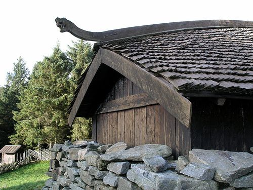 Images of viking houses