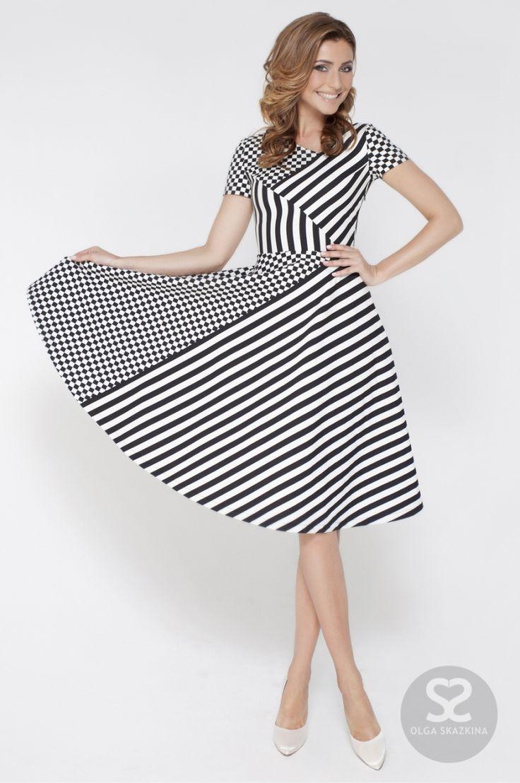 Стильное летнее платье с модным принтом   Skazkina