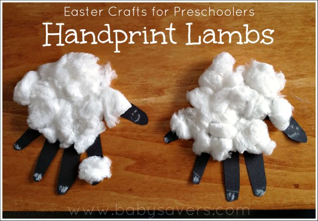Easy Easter craft for preschoolers and toddlers: handprint lambs