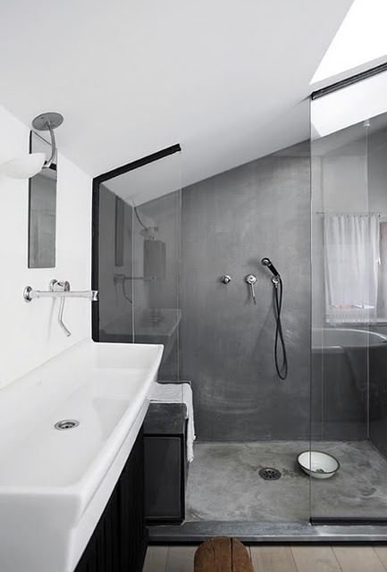coloured plastered wall in shower - there is a brand that is water proofed for this