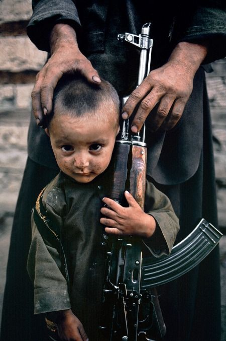 Child portrait by Steve McCurry. #photography #color