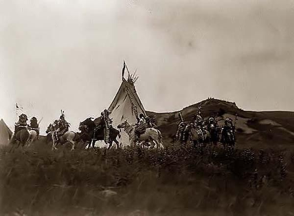 Indian War Party http://www.sonofthesouth.net/union-generals/sioux-indians/sioux-indians.htm