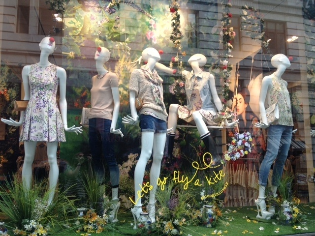 We heart that our Argyll Street store have dressed up their mannequins for Red Nose Day!