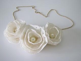 Tutorial collar de flores con encaje
