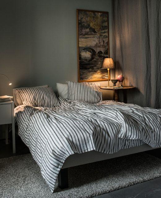 Ein Hell Gehaltenes Schlafzimmer U A Mit Höstöga Bettwäsche Set