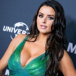 abigail ratchford women pinterest bikini car wash hot bikini and bikinis. Black Bedroom Furniture Sets. Home Design Ideas