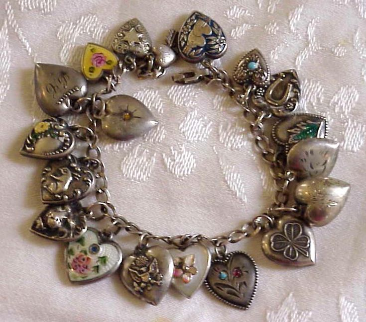 Puffy Hearts Charm Bracelet