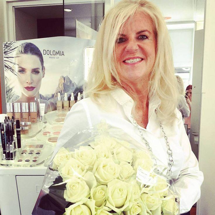 Unsere neue Make-Up-Serie ist angekommen! 😍💄 Exklusives Make-up mit Pflanzenextrakten und Mineralstoffe aus den Dolomiten! 😊 Jetzt vorbeikommen und testen! 😉  https://www.instagram.com/p/BWMraJsj-IK/