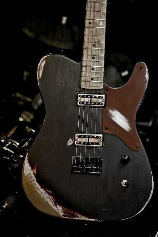 Maybe a little Ed Hardy/American Choppers, but I'm into the pickup and body combo. The Perriink Eagle 84 T-style electric guitar                                                                                                                                                      More
