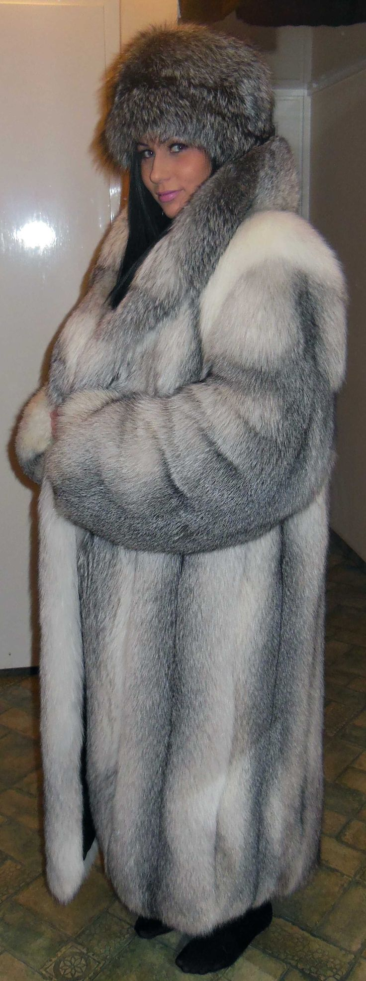 Heck fur coat fetish pics she?