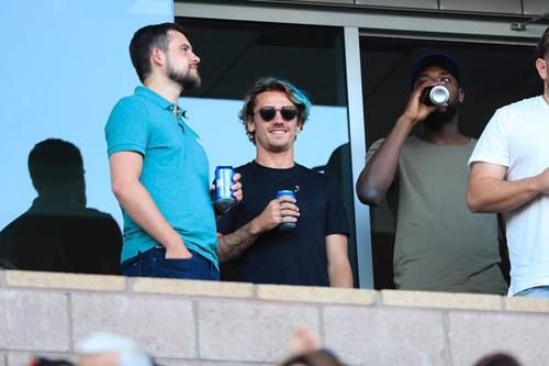 Good vibes in L.A 🇺🇸   LA Galaxy 🤙🏽⚽️ Antoine Griezmann, June 2017