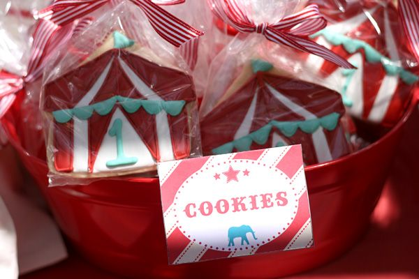 vintage circus birthday party: big top cookies