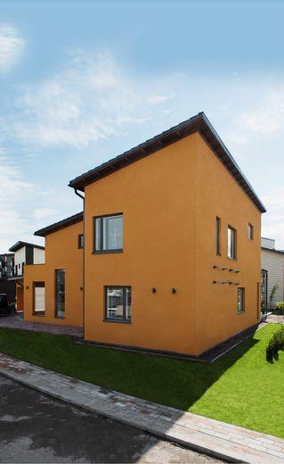 Lammi-Kivitalo Casa del Limonin oranssi rappaus muistuttaa meksikon auringon lämmöstä. www.lammi-kivitalot.fi