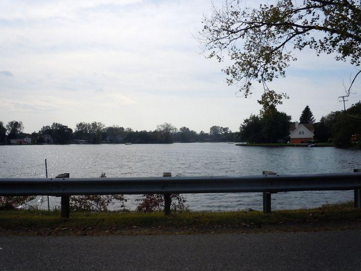 Lake cottages in Commerce MI, lakefront homes for sale Commerce MI