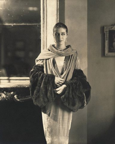 Marion Morehouse (one of the first highly recognizable fashion models & future wife of e.e. cummings) photographed by Edward Steichen