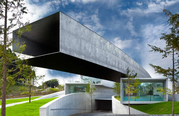 Built by Nikken Sekkei in Chiba-shi, Japan with date 0. Images by Nacasa & Partners. This is a private museum to exhibit and preserve painting and wines that Mr. Hoki has collected. According to Krzysz...