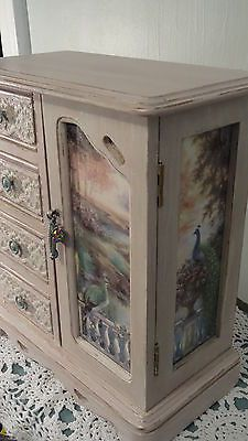Vintage-jewelry-box-Upcycled-Annie-Sloan-pink-lace-Peacocks-New-interior