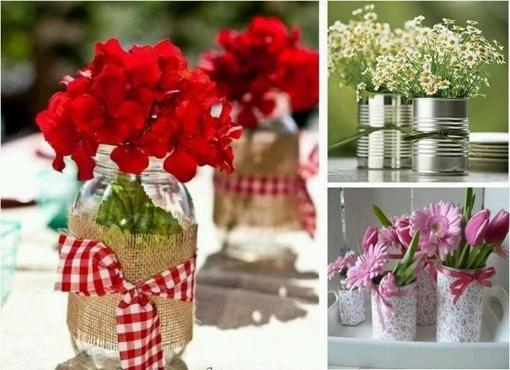 Frascos , colocar cintas segun el color de las flores ,miren que linda inspiracion !!