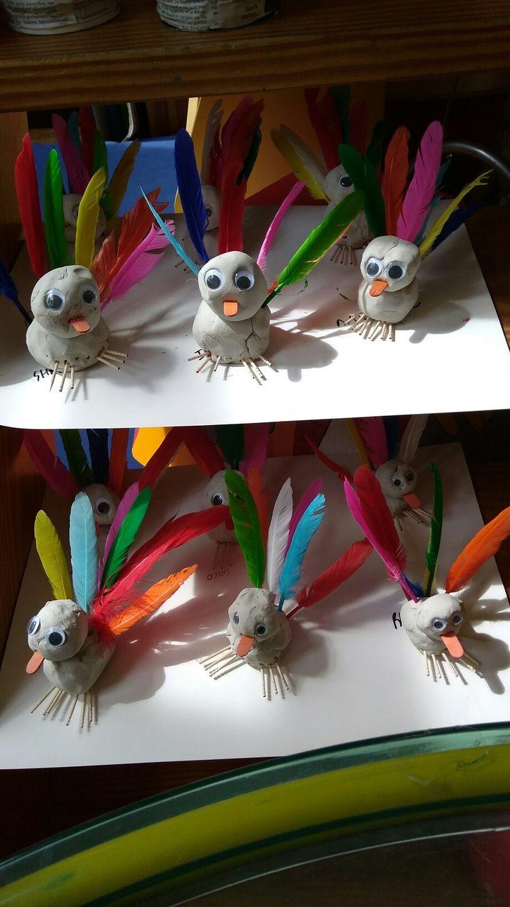 Lente vogels uit klei
