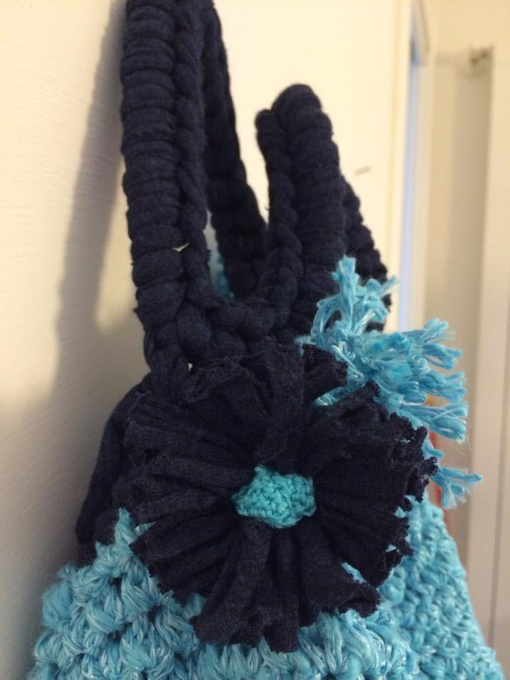 Borsa Turchese. Fiori. Lavorazione Crochet. Fettuccia e cotone