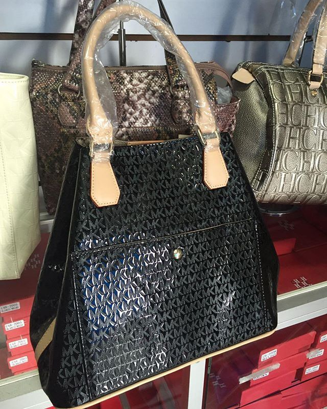 #carteras #mk#mujeres#panama #pty🇵🇦 #david #chiriqui#chitre #arraijan #chorrera #chorrillo #santiago#chepo#chame #veraguas#calidonia#costadelestepty #santamarta#ocu#losandes #sanmiguelito #coronado#parita #sancarlos#bocasdeltoro #penenome hacemos envio a todo el interior de pais pide el tuyo 67933361 ↙↙ #sandiegoconnection #sdlocals #coronadolocals - posted by storevirtual mia 💯↙↙↙↙ https://www.instagram.com/storevirtual_mia. See more post on Coronado at http://coronadolocals.com