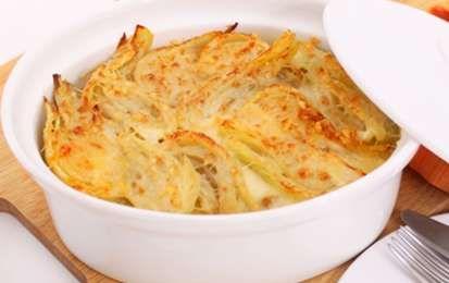 Gratin di finocchi al forno, ricetta light - I finocchi gratinati al forno sono una ricetta classica. Questa versione è stata rivisitata per chi segue una dieta dimagrante. I finocchi sono ricchi di proprietà benefiche.