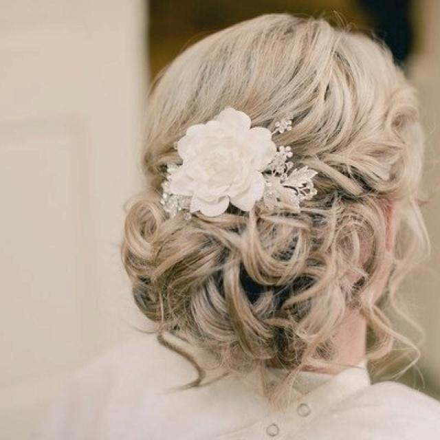 Wedding Hairstyle Messy Bun: Messy Bridal Bun With Flower