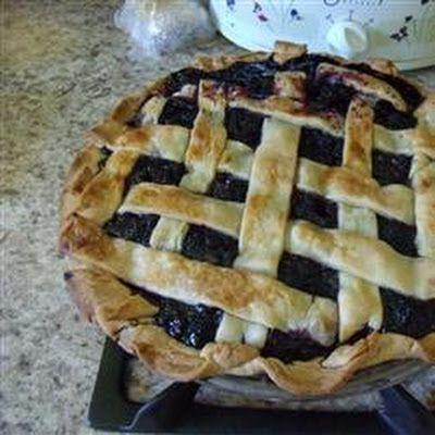 Black Raspberry Pie @keyingredient #quick #recipes #pie