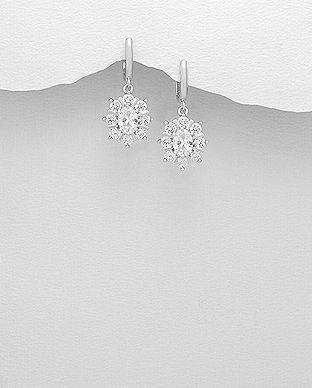 Denne klassiske hvide øreringe er super elegante og vil fremme brudens skønhed og personlighed. Norlume.dk 2017