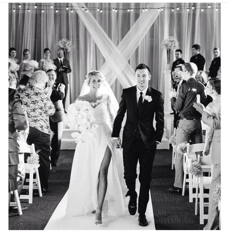 my taste in music is your face ✧ tyler joseph (and his wife, jenna, during wedding) of twenty one pilots