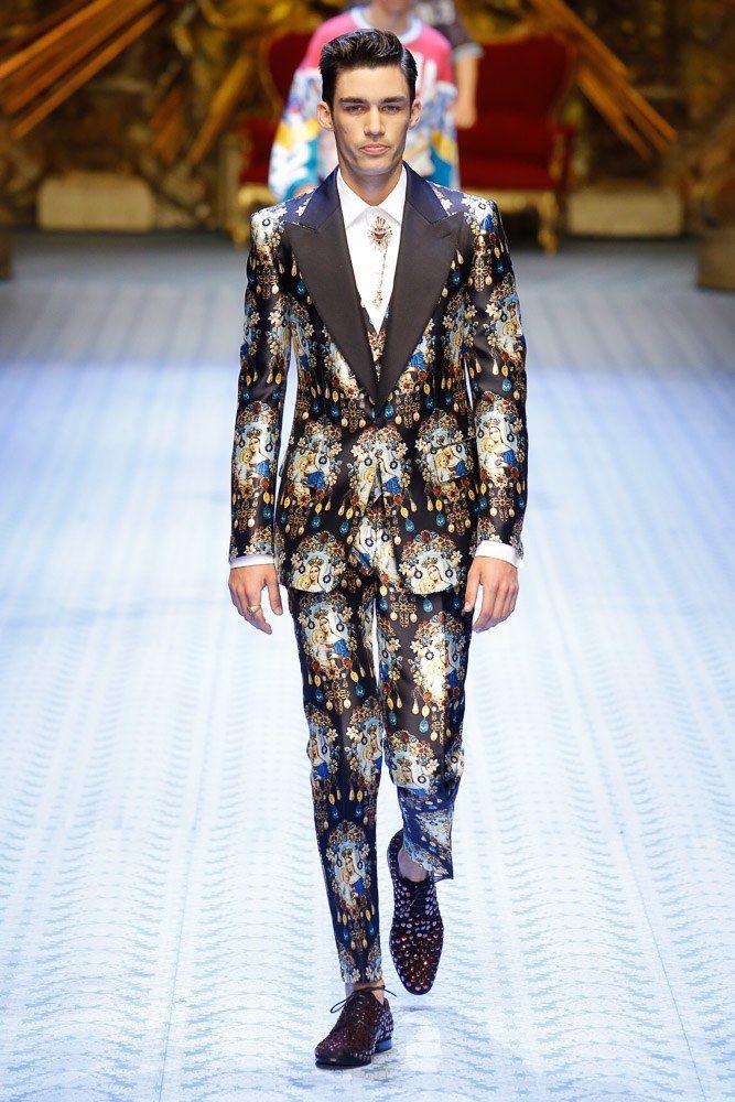 c6b738b918e Dolce   Gabbana Spring 2019 Menswear Milan Collection - Vogue