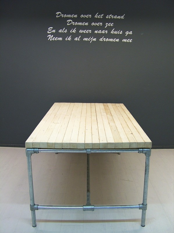 Pipe table made with Kee Klamp fittings