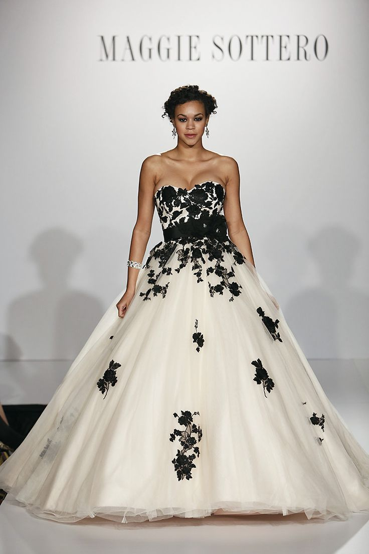 216 best Black an white gowns images on Pinterest | Bridal gowns ...